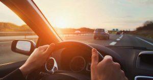 Aides électroniques à la conduite pour le conducteur