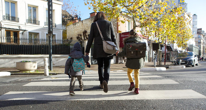 A l'âge où vos enfants sont encore trop petits pour se déplacer tout seuls, vous les accompagnez à l'école tous les matins… comme tous les parents de leurs copains… et des autres écoliers de votre secteur d'habitation. Vous avez pensé à mettre en place un Pedibus ?