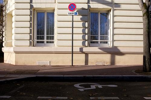 stationnement pour personne hanidcapée