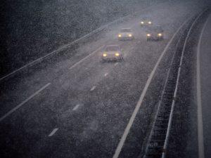 Pendant toute la saison froide, les équipes chargées de l'entretien des chaussées, sur chaque type de réseau, font en sorte que la route demeure praticable quasiment par tous les temps. Ce qui ne doit pas dispenser les conducteurs de rester vigilants.