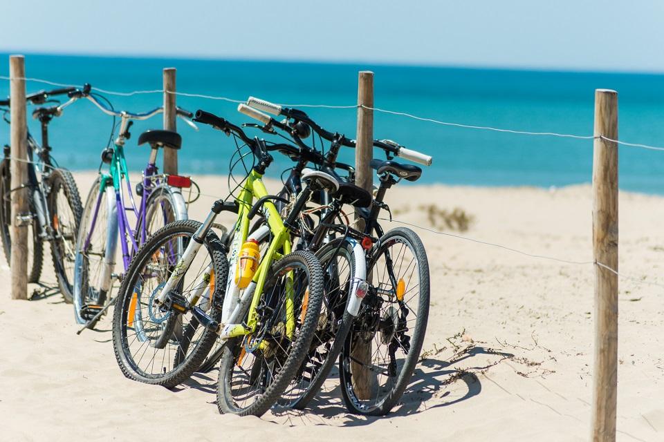 Vélo bord de mer vacances été