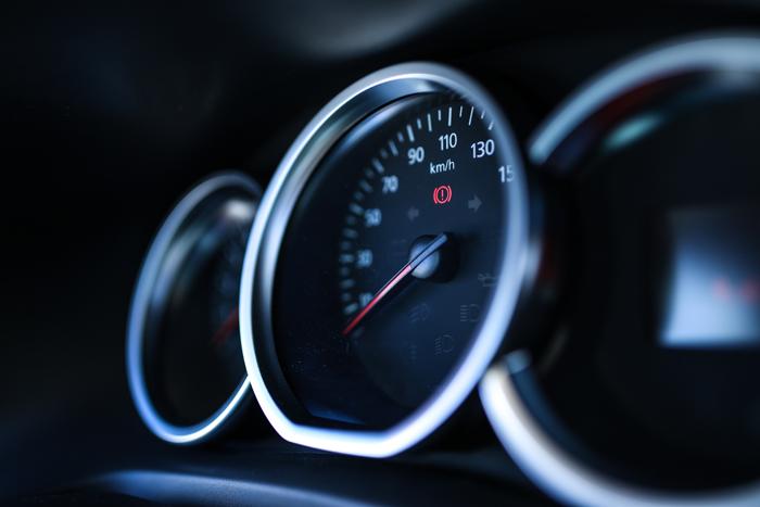 compteur vitesse voiture