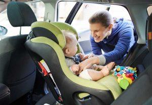 Bébé siège dos à la route